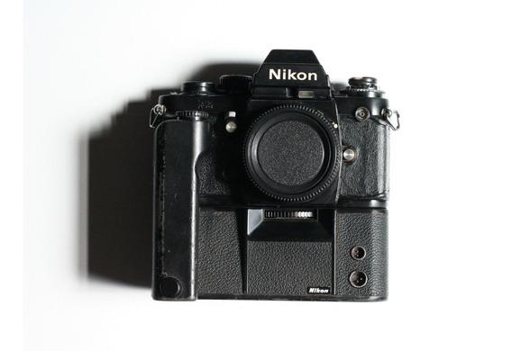 Câmera Nikon F3 Mais Motordrive Md-4 Testados E Funcionando.