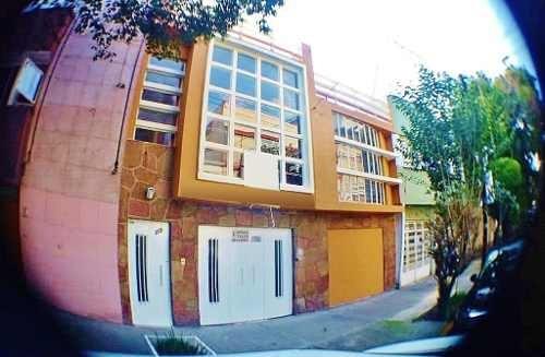 Casa En Venta En La Colonia Narvarte, Zona Del Valle