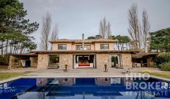 Hermosa Casa En Barrio Privado - Punta Del Este-ref:2037