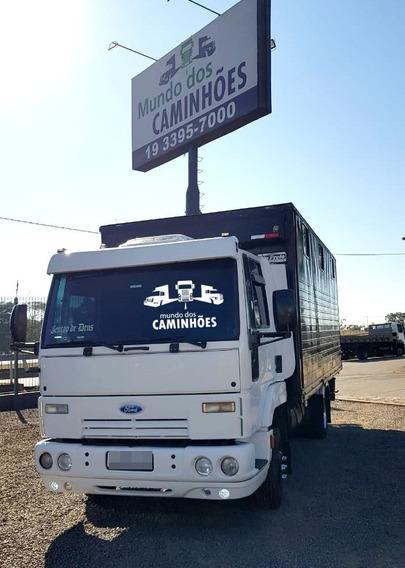 Ford Cargo 712 Com Baú Para Cavalos