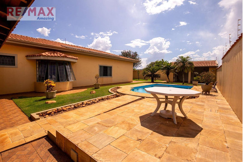 Casa Com 3 Dormitórios À Venda, 389 M² Por R$ 1.500.000,00 - Jardim Paraiso  - Pratânia/sp - Ca0056