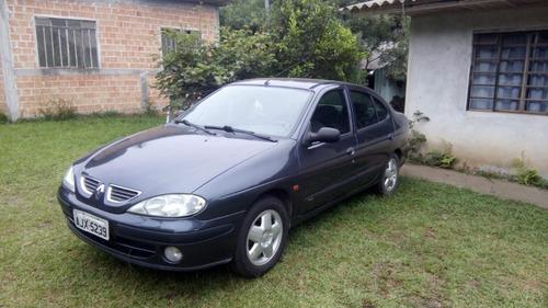 Renault Megane Sedã 2001