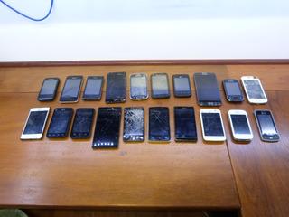 Lote De 20 Smartfone Celular Com Defeito P Retirada De Peças