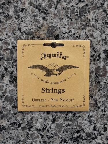 Jogo De Cordas Cordas Italianas Aquila P/ukuleles Concert.