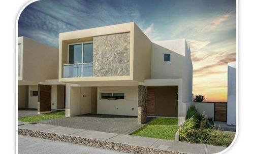 Casa En Venta. Cond. Rivalta, La Vista Residencial, Queretaro. Rcv200326-cl