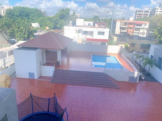 Venta De Lujoso Apartamento En Gazcue, Santo Domingo