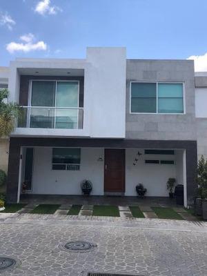 Se Vende Amplia Casa En Lomas De Angelópolis Ii, Parque Capellanía