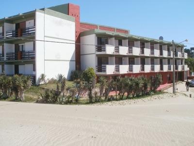 Departamento Villa Gesell , 2 Ambientes Frente Al Mar Cocher