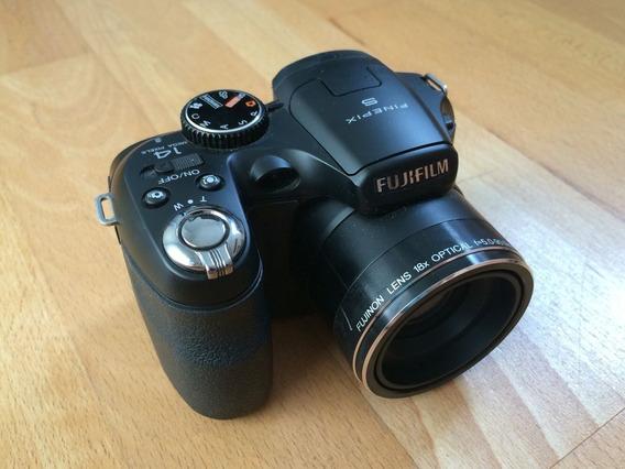 Câmera Fujifilm S2980 Finepix