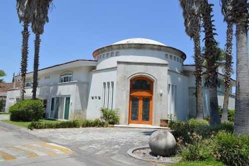 Residencia - Fraccionamiento Club De Golf Santa Anita