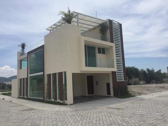 Casa En Cinco Bosques, Ecológica Paneles Y Calentador Solar
