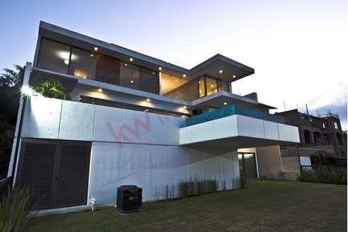 Se Vende Casa En Vista Real & Country Club, Corregidora