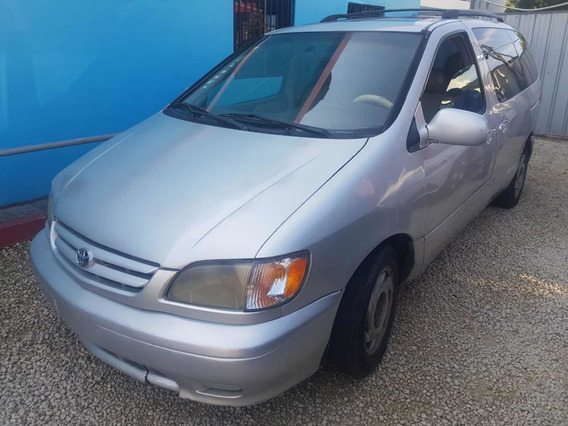 Toyota Sienna 2001