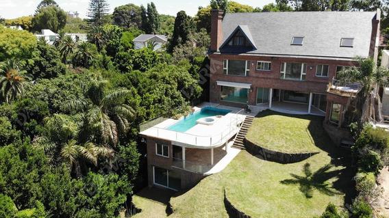 Imponente Casa Con Vista Al Río