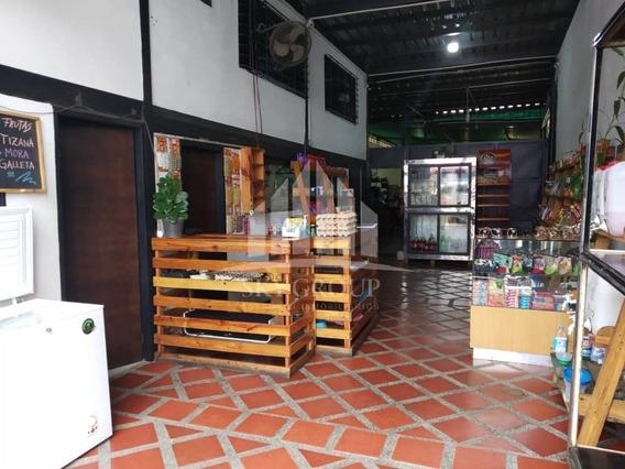 Edificio Con Galpon Y Apartamento En Santa Rosa Valencia