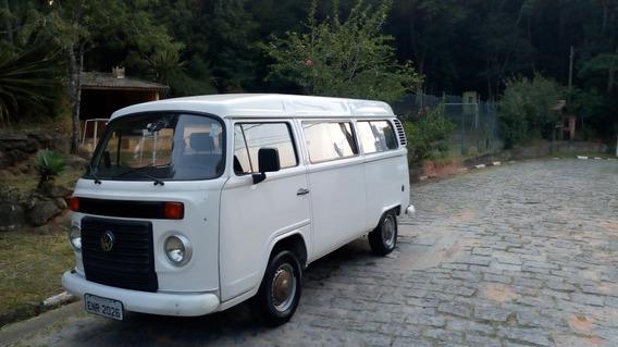 Volkswagen Kombi 1.4 Std Total Flex 4p 2010