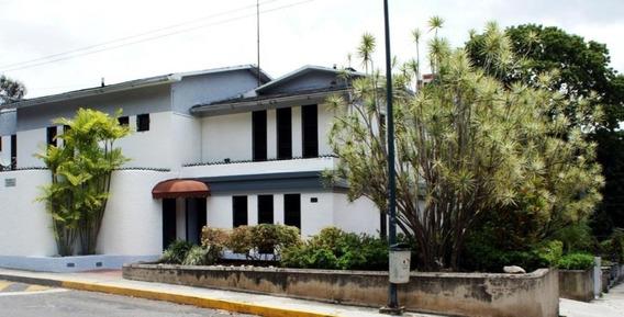 Casa En Venta Los Palos Grandes Código 20-18341 Bh