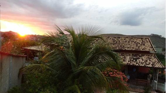 Vendo Uma Linda Casa Em Paraíba Do Sul, Bairro Bela Vista