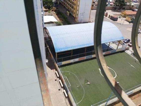 Apartamento En Venta En Barquisimeto, Lara Ym