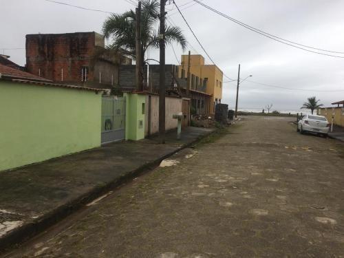 Casa Na Quadra Do Mar Aceita Financiamento  Itanhaém Litoral