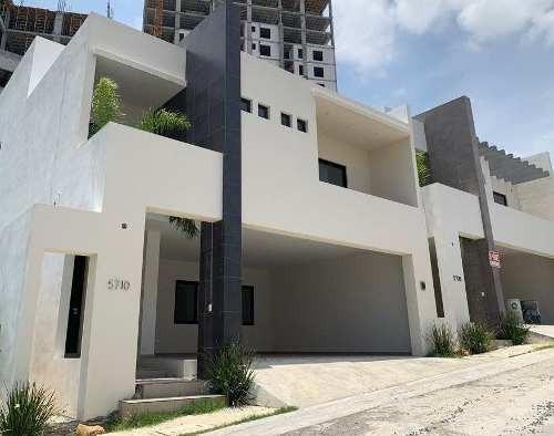 Casa En Privada Fundadores, Monterrey