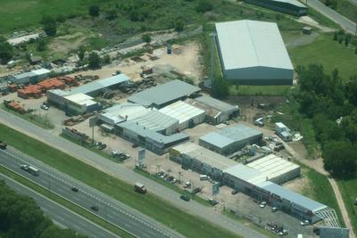 Galpon Accesosobre Panamericana Kmt 46 En Centro Comercial