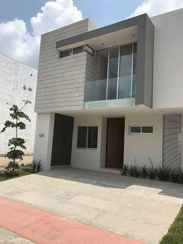 Casa Coto Zanthe, Solares
