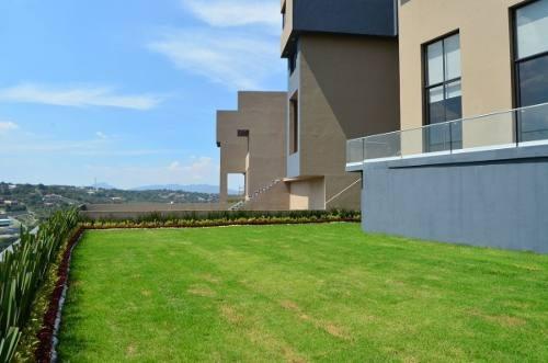 Cdv1177-3. Residencia En Venta En Sayavedra. Excelente Concepto Arquitectónico.