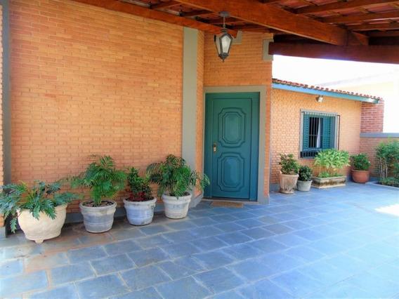 Casa Com 03 Dormitórios Sendo 01 Suíte, À Venda, 275 M² Por R$ 830.000 - Jardim Tapajós - Atibaia/sp - Ca0527