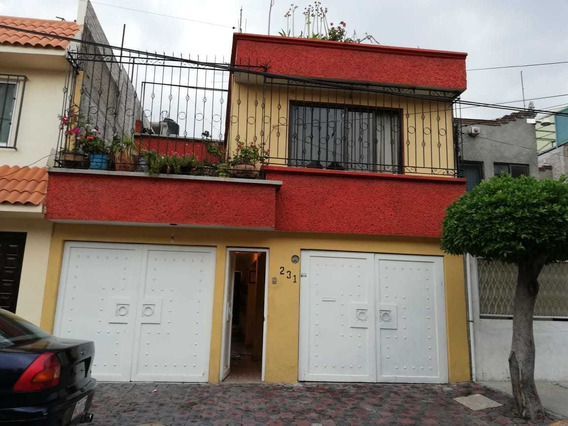 Casa De 183m2 / 4r / 2b / 2a / 35 Años