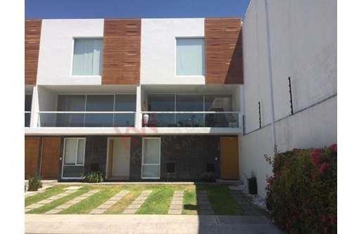 Renta De Departamento Tipo Loft Dos Recamaras Y Amenidades En Santa Fe Juriquilla