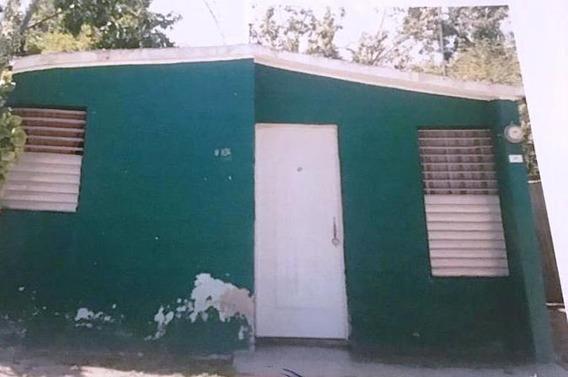 Se Vende Casa En Villa Central Barahona . Oportunidad