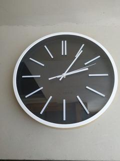 Reloj De Pared Redondo Moderno 36 Cm Visible