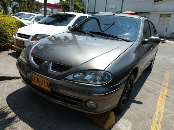 Renault Megane 1.6 Aut, Requiere Arreglo Caja