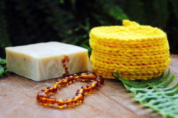 Kit 01 Sabonete Âmbar + 05 Ecopads Amarelo + 01 Pulseira Mel