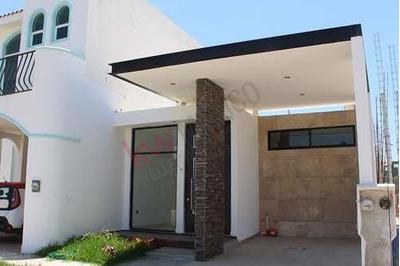 Casa De Un Piso En Comunidad Privada En Coto 7 En Fraccionamiento Real Del Valle