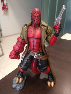 Figura Hellboy Pintada A Mano