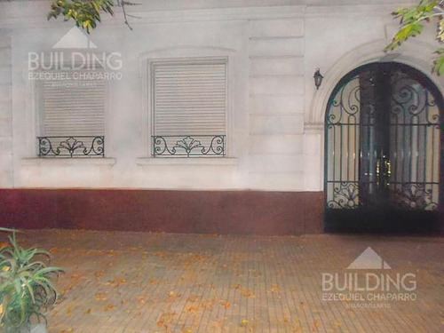 Imagen 1 de 11 de Casa - La Plata
