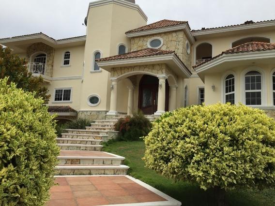 Residencia De Lujo Estilo Californiano En Venta, Fracc. Las Villas, Tampico, Tamaulipas.