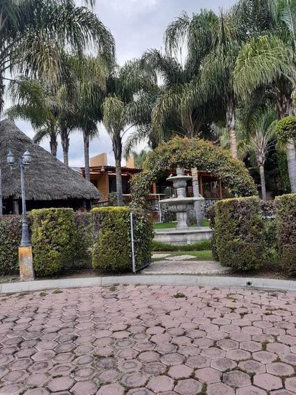 Casa De Campo Con 6 Recámaras, Alberca, Palapa Y Fuente