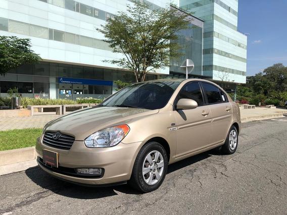Hyundai Accent Vision Automatico