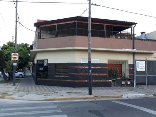 Imagen 1 de 2 de Ph Al Frente. 4 Ambientes. Cochera. Av. 7, Berazategui.