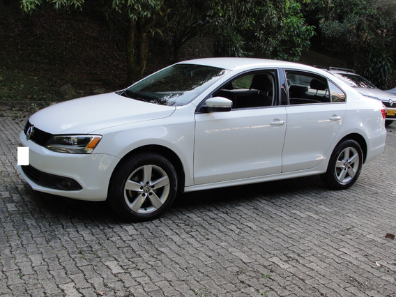 Volkswagen Nuevo Jetta 2.5 Trendline 2014. Como Nuevo