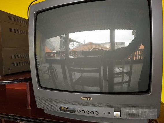 Usados: 01 Tv Sanyo De Tubo 20 Polegadas E 01 Som Aiwa
