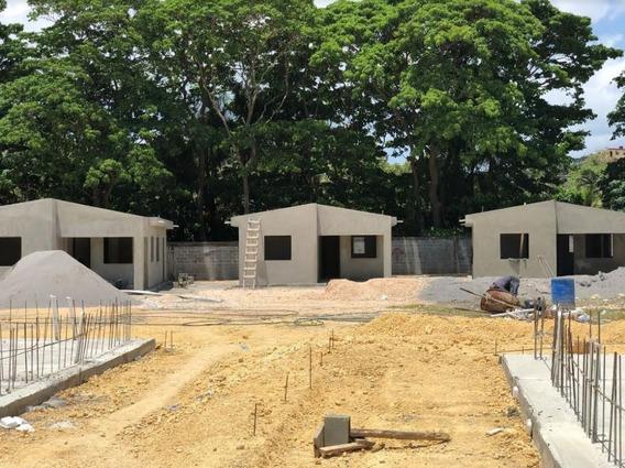 Proyecto De Apartamentos Y Casas. (los Cerros De Sabana Perd