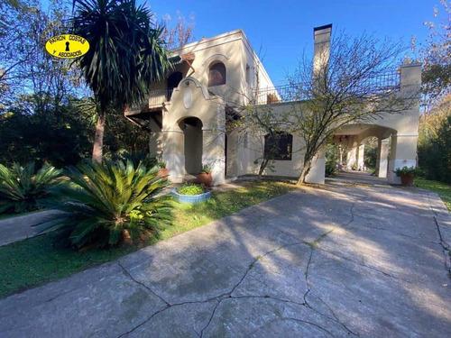 2883ml-venta Casa En El Barrio Las Casuarinas , Pileta