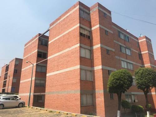 Departamento En Renta En Lomas De Atizapán, Atizapán De Zaragoza. Debr0105