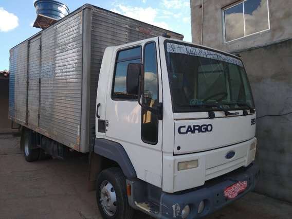 Cargo 815/07 Branco Com Baú