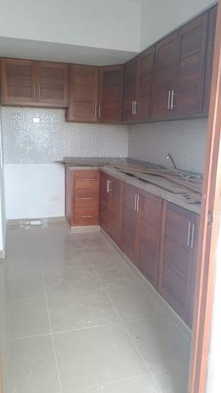 Vendo Apartamento San Isidro Con Parqueos Techados 3.6mm