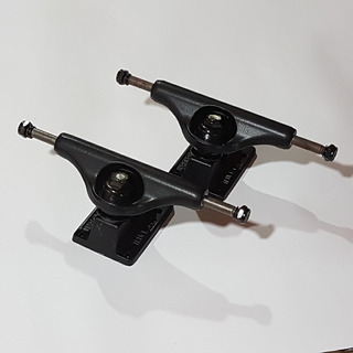 Par De Trucks De Skate Independent 129mm Low Matte Black